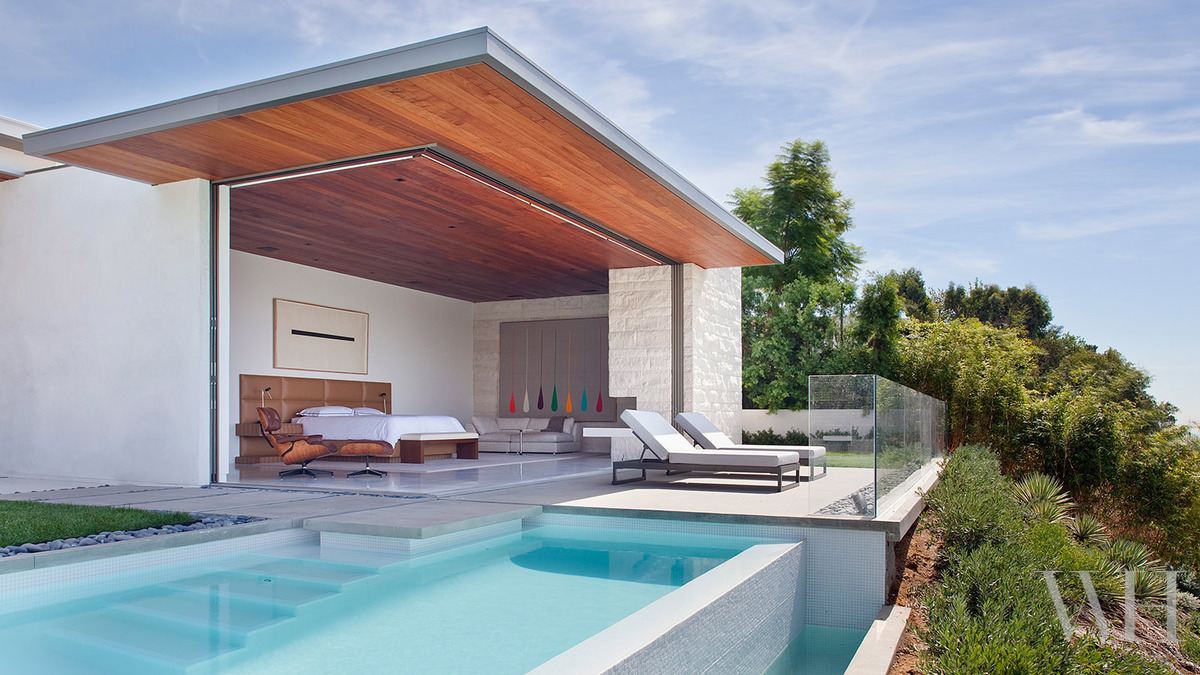 Glass pool modern house